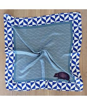 foulard en soie 90x90cm bleu hérisson