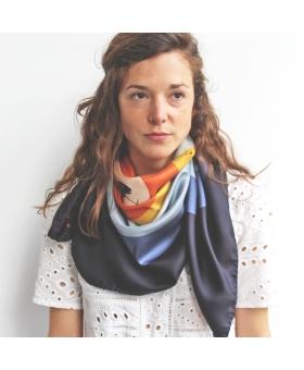 foulard en soie 90x90cm motif cible et oiseaux