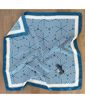 Foulard carré de soie bleu