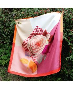 Foulard Soie rose avec motif fleur