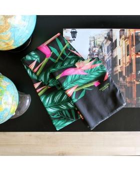 foulard en coton noir motif fleurs tropicales
