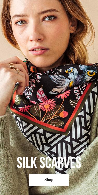 pochette square silk scarf